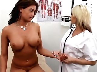 Blonde Nurse Brooke Haven Gives Obgyn Examination To Tory Lane