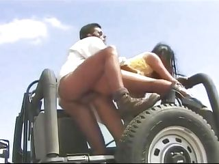 Amanda, Blowage And Buttfucking In The Jeep